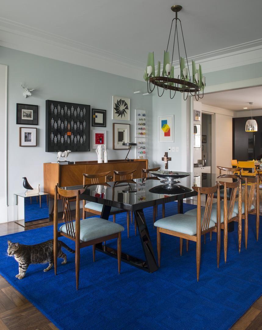 Quadro De Parede Para Sala De Jantar Uma Sala De Jantar Meio  -> Decoracao Sala De Jantar Azul