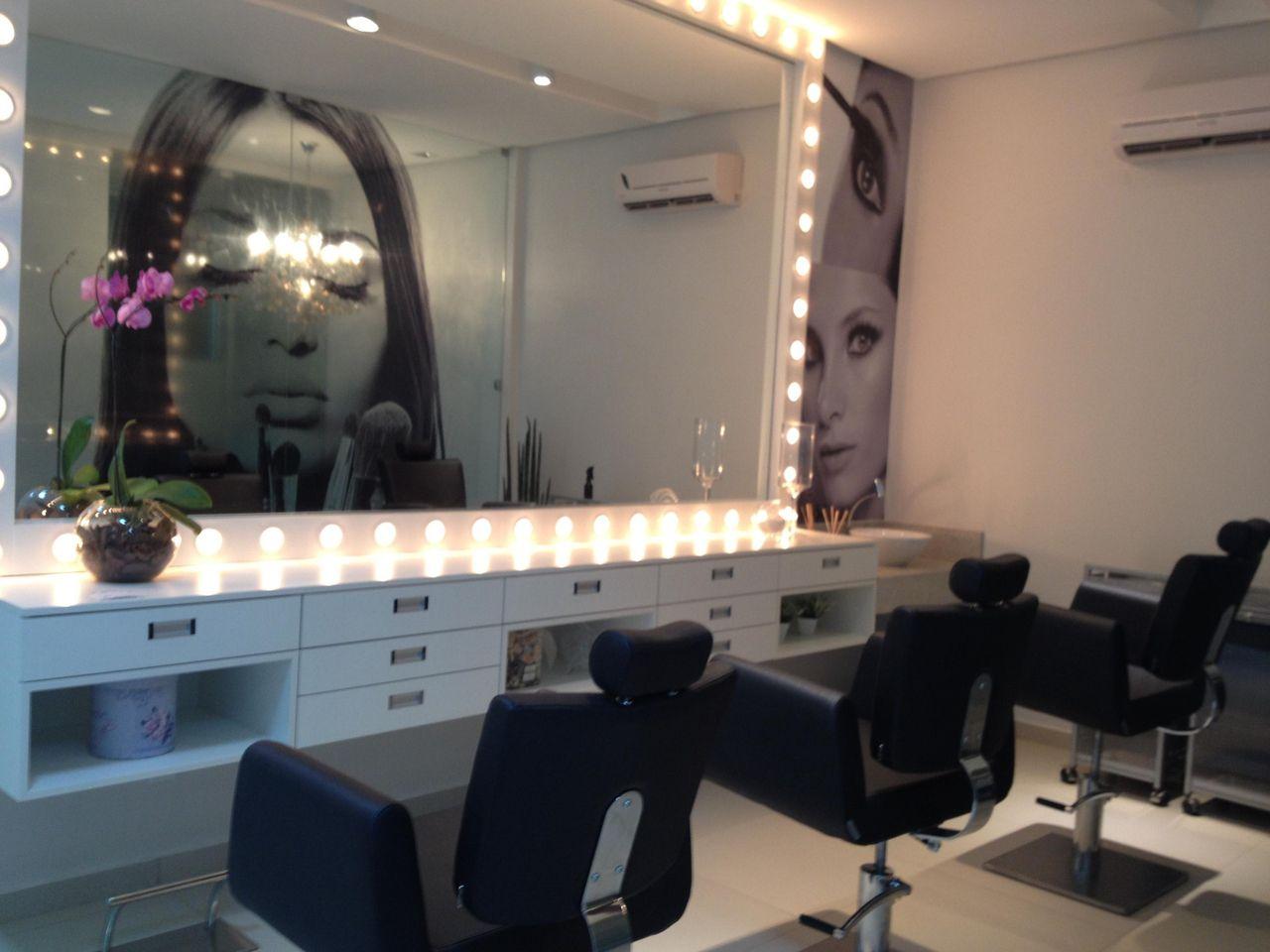 Sal O De Beleza Com Espelho E Bancada De Madeira De Janete Barros