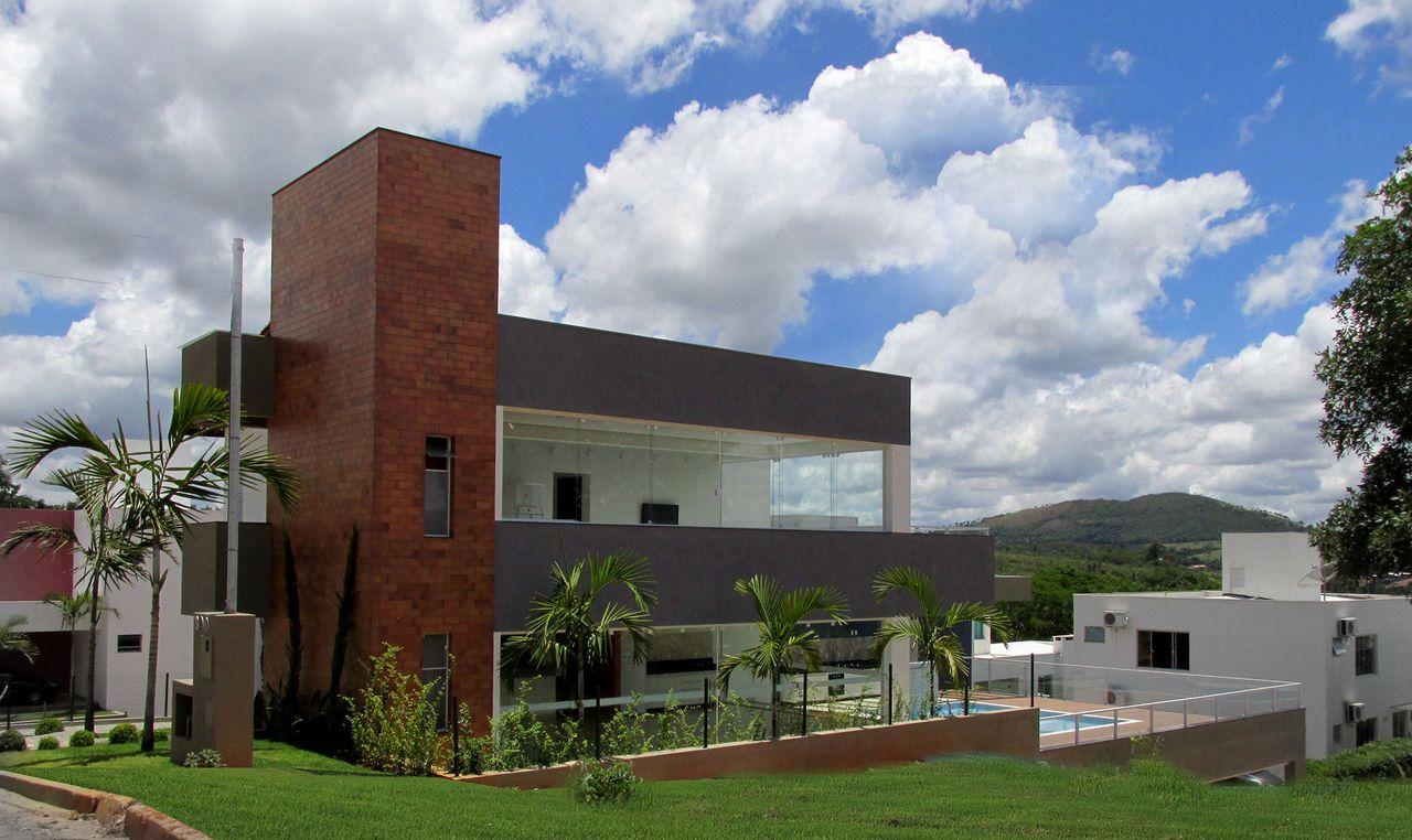 Super fachadas de academias modernas ap89 ivango for Casa moderna design