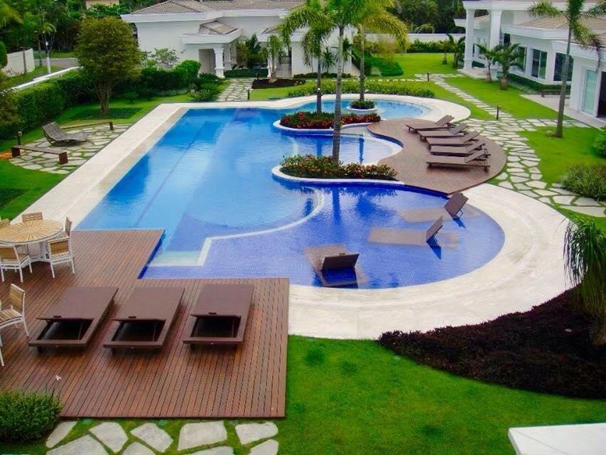 Área externa com piso de Deck de Daniel Nunes Paisagismo 73624 no Viva Decora -> Decoracao De Area Externa Com Piscina