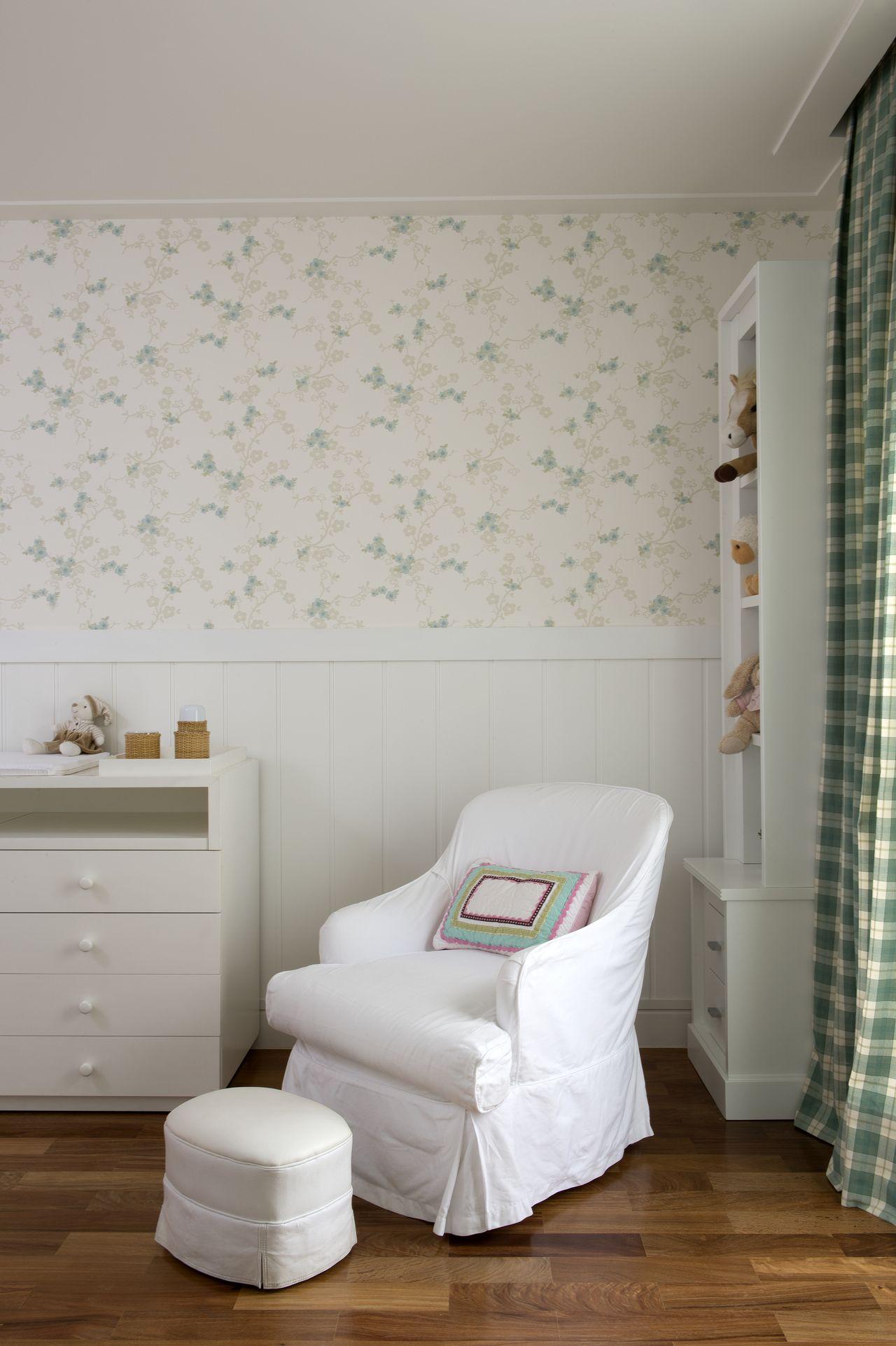 Quarto De Beb Com Papel De Parede Floral Verde De Cristina Lembi  ~ Papel Contact Para Quarto De Bebe